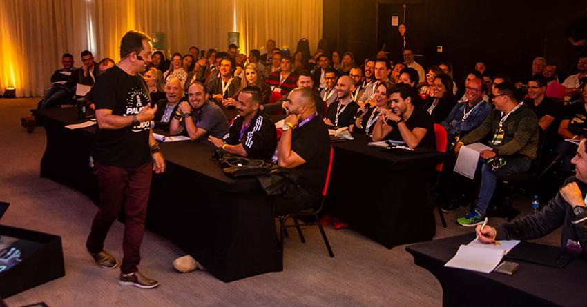 Como ser palestrante? 7 dicas para ser um profissional dos palcos!